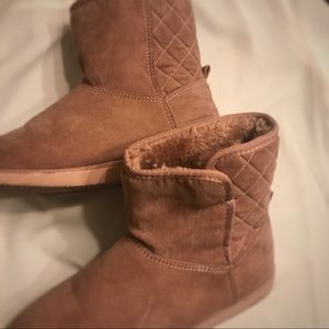 Like new dusty rose winter boots